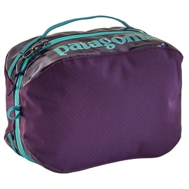 Patagonia Black Hole Cube Medium Violett
